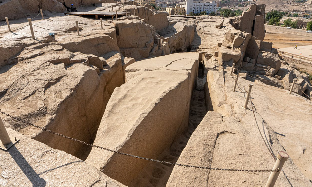 construction of the unfinished obelisk - egypt tours portal